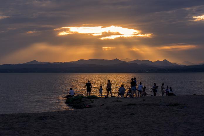 《夕阳西下凉风来》--黄岩.jpg