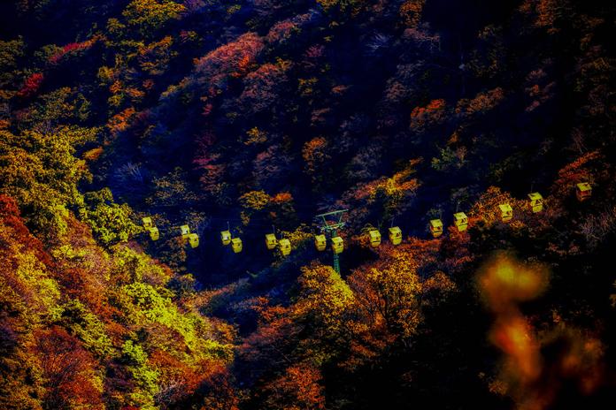 《尧山-彩色的世界》王延川摄+13837214757..jpg