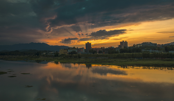《沙河唱晚》+文艺+15886752586+平顶山市+拍摄于2017年8月23日下汤沙河边.jpg