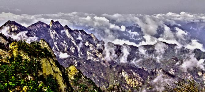 《云从天外来》-黄岩.jpg