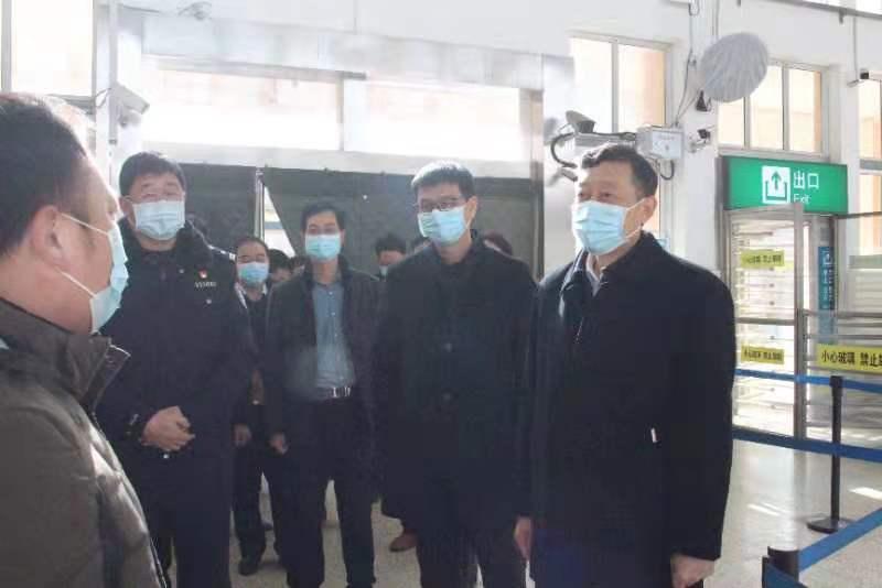 杨英锋到城区重点场所调研疫情防控工作2.jpg
